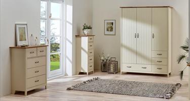 Steens Norfolk Cream and Pine Bedroom
