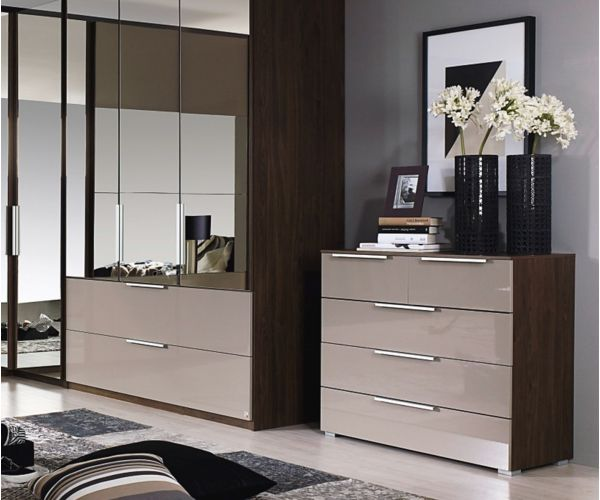 Rauch Zenaya Sanremo Oak Light Colour Carcase with White High Gloss Front 5 Drawer Chest